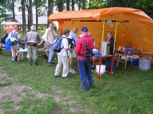 eerste dag Kempische wandeldagen - OLAT verzorgingspost