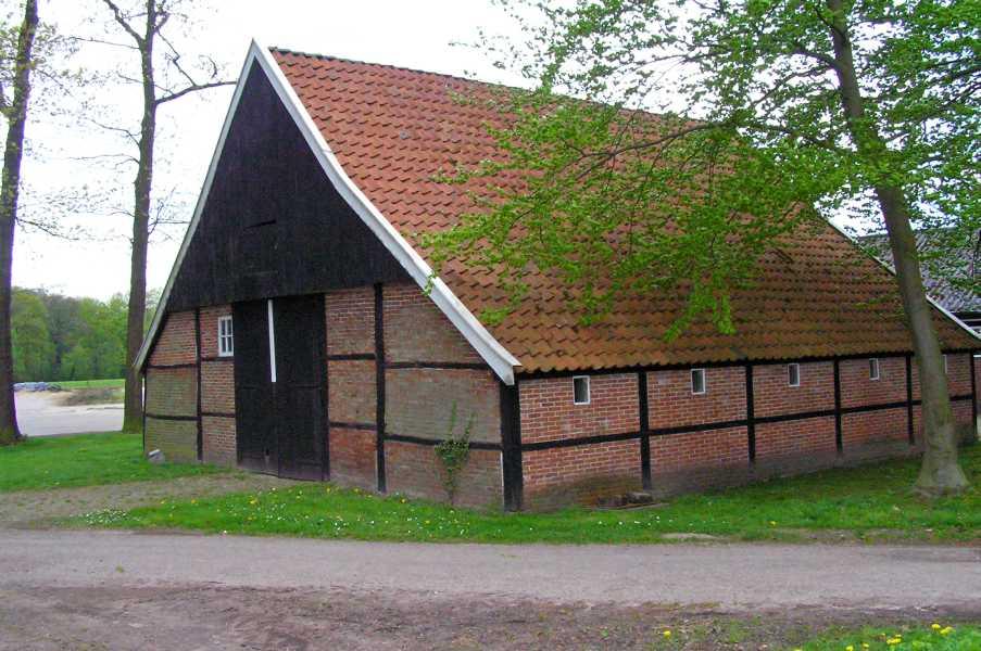 Marskramerpad 1  schuur bij Erve Aalderink nabij Borne