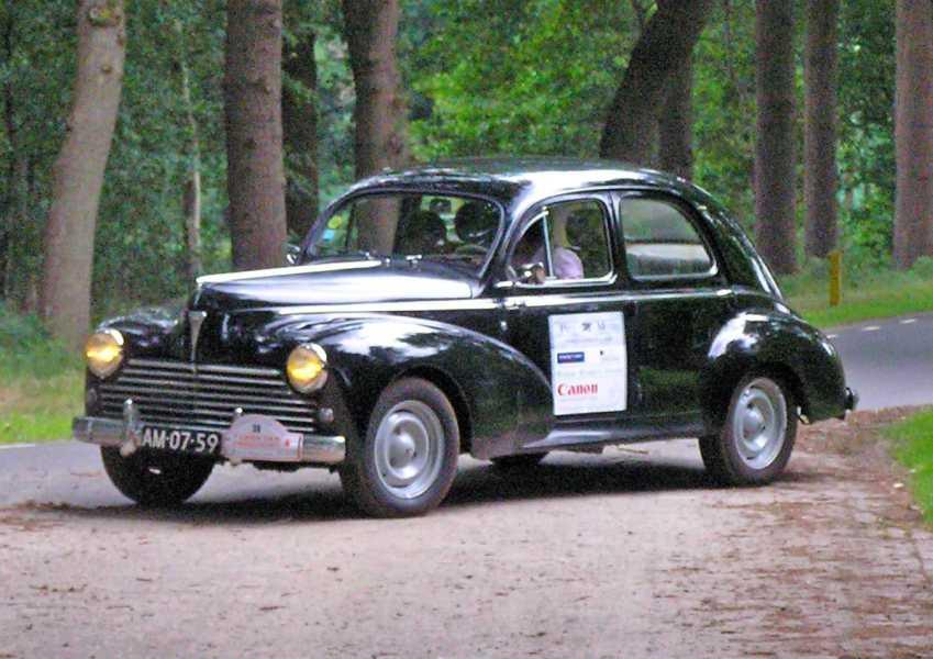 21e Kennedymars van TIGO te Steenwijk van 20 op 21 juni 2008  een Peugeot 203C uit 1956