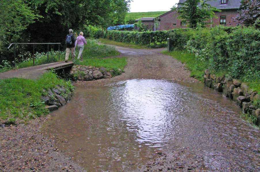 Met de Ronde van Zuid-Limburg 2008  Melchelder- of Lombergbeek nabij Hilleshagen