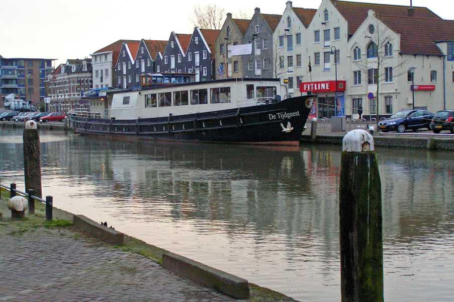 NS-wandeltocht Boonervliet  boot De Tijdgeest te Maassluis