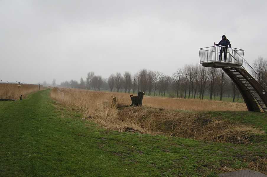 NS-wandeltocht Boonervliet  uitkijkplatvorm in de Vlietlanden langs de Boonervliet