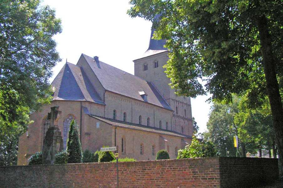 NWB lustrumtocht vanuit Zevenaar op zaterdag 13 juni 2009  St. Vitus-kerk te Hoog-Elten
