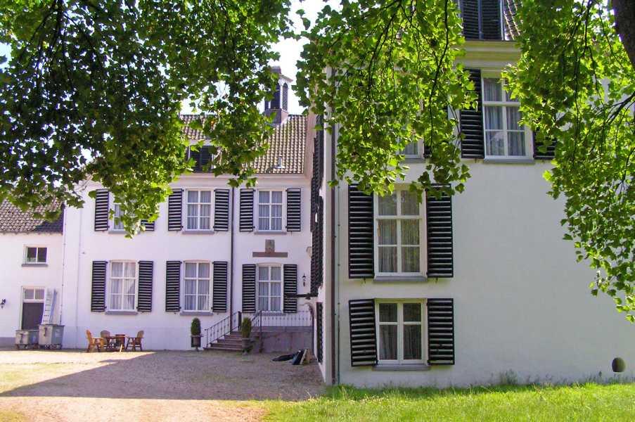 NWB lustrumtocht vanuit Zevenaar op zaterdag 13 juni 2009  kasteel Halsaf / Huize Babberich