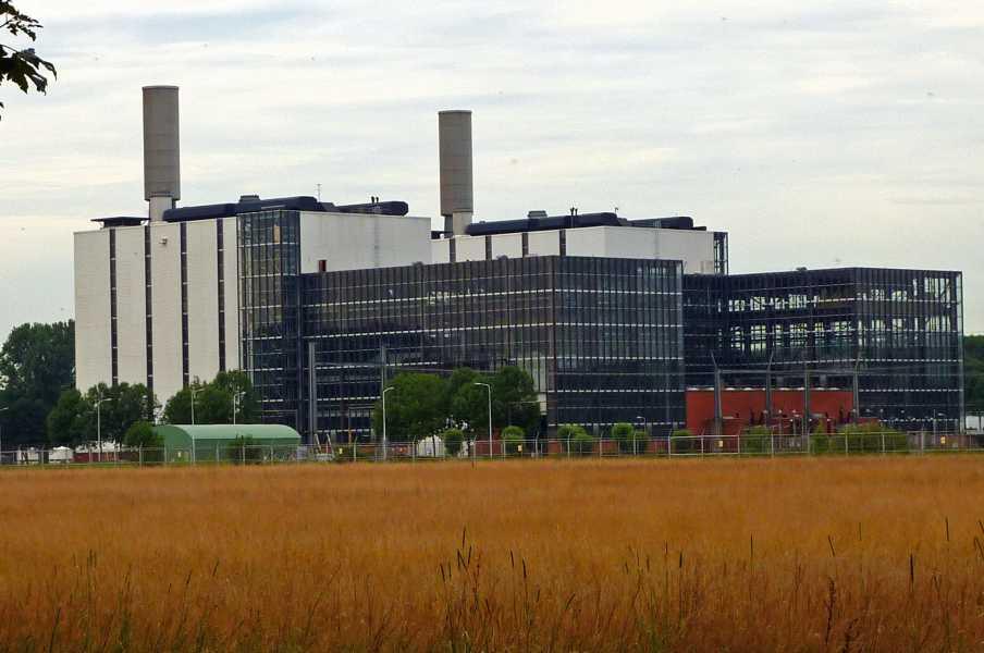 Swaddekuier tweedaagse  elektriciteitscentrale nabij Burgum