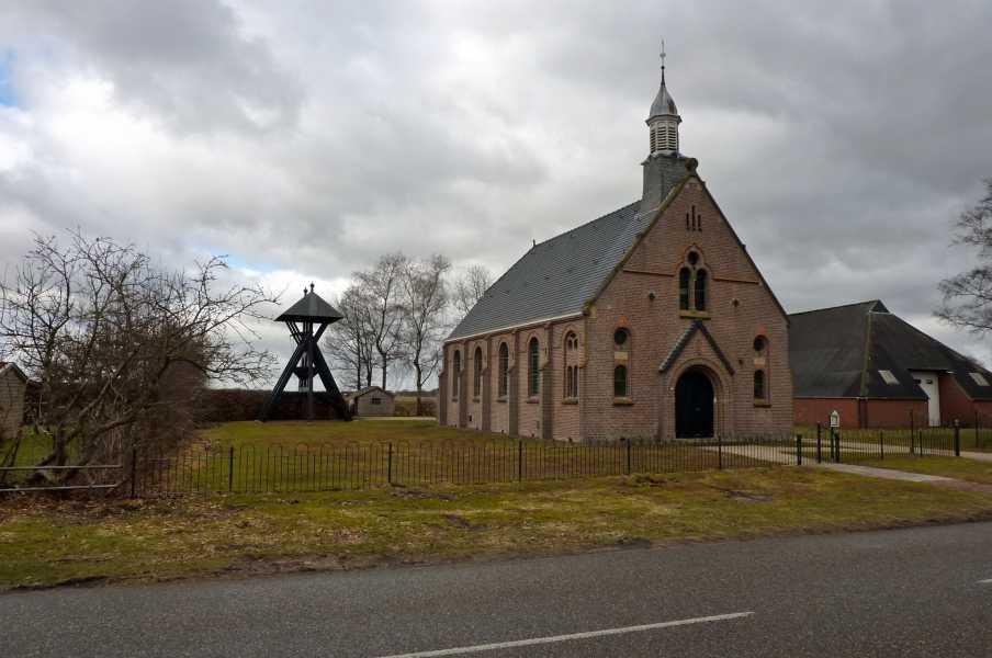 met de FLAL vanuit Diever  langs de Hoofdweg in Elsloo, Friesland