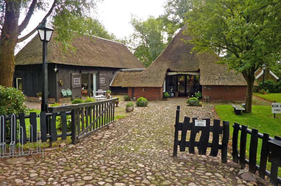 NS wandeling Hunzedal  Klein Dillingshof nabij Gieten