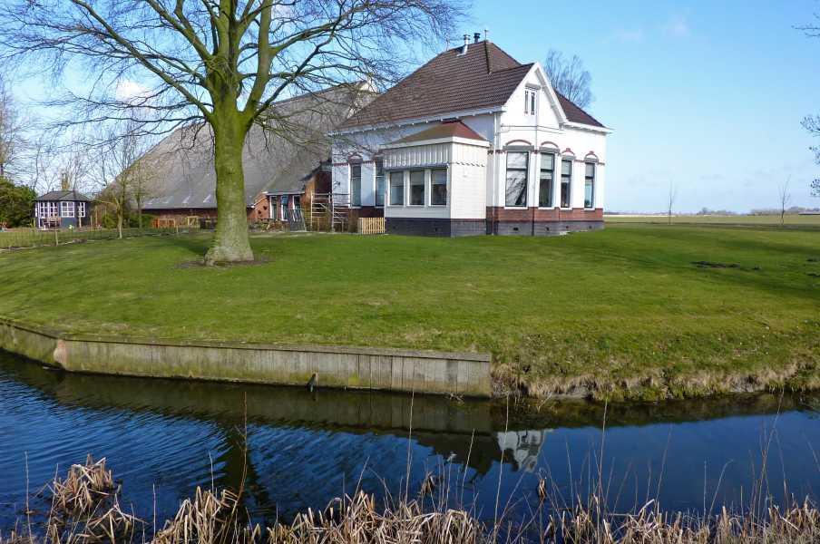 Reitdiep tocht met de FLAL vanuit Groningen op 5 maart 2011  nabij Roode Haan