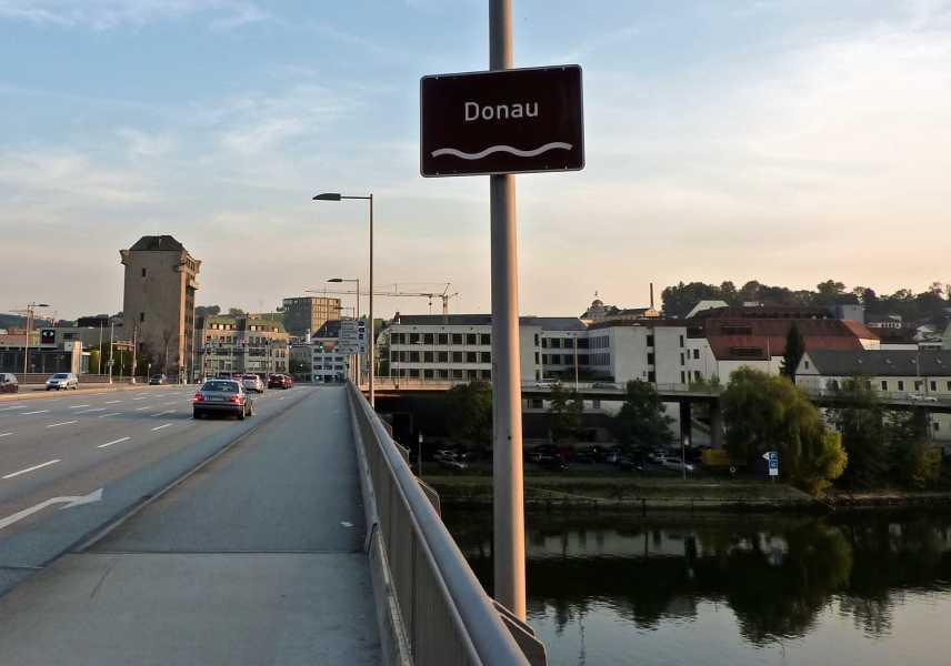Pandurensteig  brug over de Donau in Passau