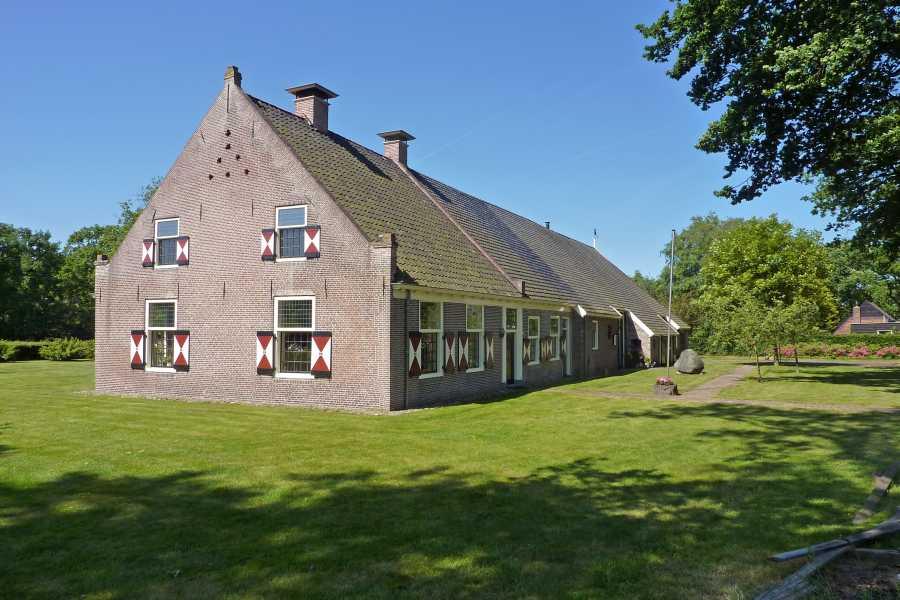 18e Drents Friese Wold Wandelvierdaagse 2012  boerderij in Havelte