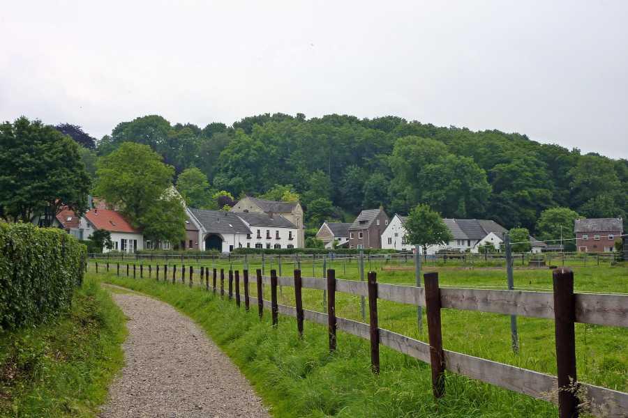 NS wandeling Mergelland van Maastricht naar Valkenburg  Bemelen