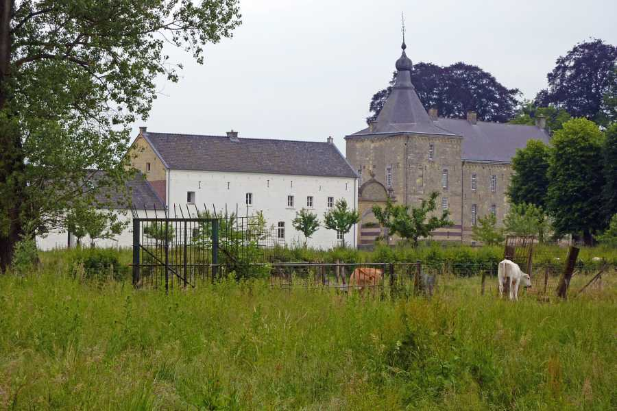 NS wandeling Gerendal van Schin op Geul naar Valkenburg  kasteel Genhoes te Oud-Valkenburg