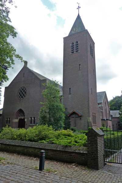 NS wandeling Wouwse Plantage (GR5)  RK kerk te Wouwse Plantage