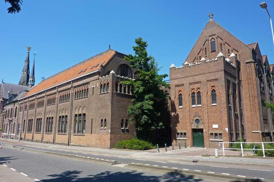 Airbornepad  Het voormalig Augustinianum  werd gebouwd als pensionaat en  gymnasium van de paters Augustijnen