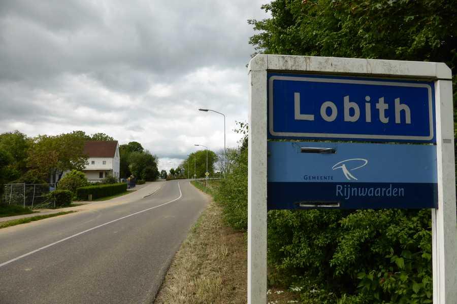 Afbeeldingsresultaat voor Lobith plaatsnaambord