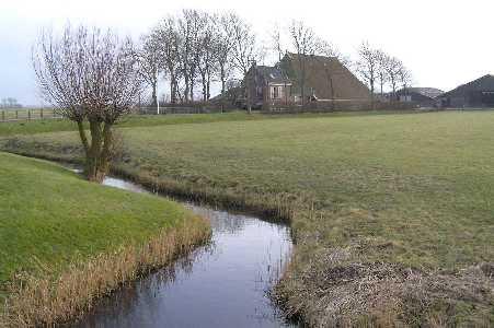 Met de FLAL vanuit Tzum/Tsjom boerderij langs de Franekerweg  nabij Hitzum
