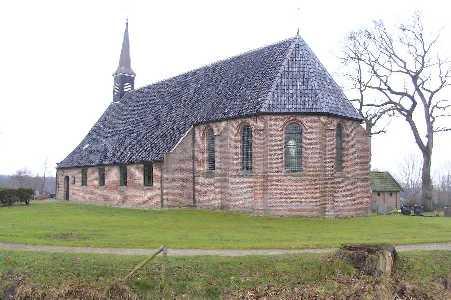 Met de FLAL-Weerribbenwandeltocht vanuit Scheerwolde, Overijssel Nederlands Hervormde kerk te Paasloo