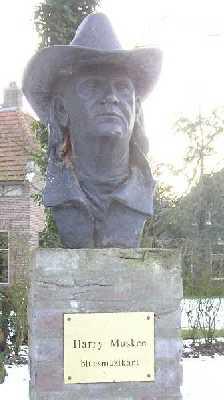 Met de FLAL-De Moere-tocht  vanuit Grolloo, Drenthe;  Harry Muskee, bluesmuzikant van Cuby and the Blizzards