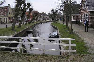 Met de FLAL-Hege Bult Wandeltocht vanuit Kootstertille op zaterdag 24 maart 2007