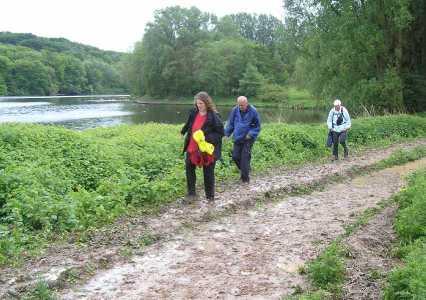 Met de Ronde van Zuid-Limburg 2006; modderpad langs het stuwmeer Cranenweyer