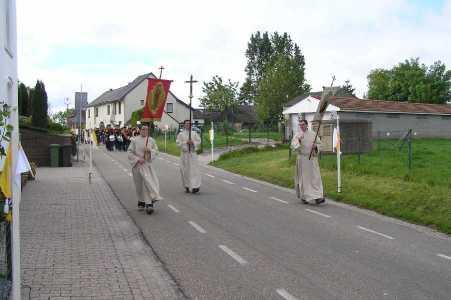 Met de Ronde van Zuid-Limburg 2006; statie nabij kapel te Mingersberg