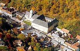 Burg Forchtenstein (490m)
