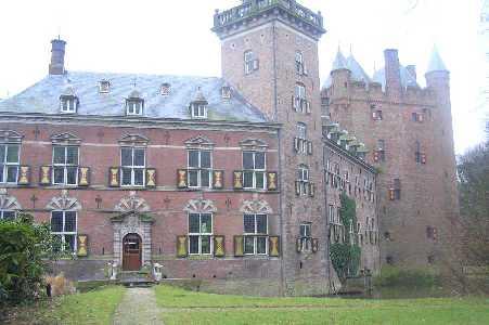 Tijdens de WS78 Vecht- en Poldertocht vanuit Breukelen op 11 februari 2006; kasteel Nijenrode